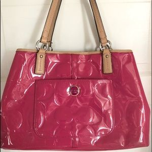 Gorgeous medium size Coach purse.